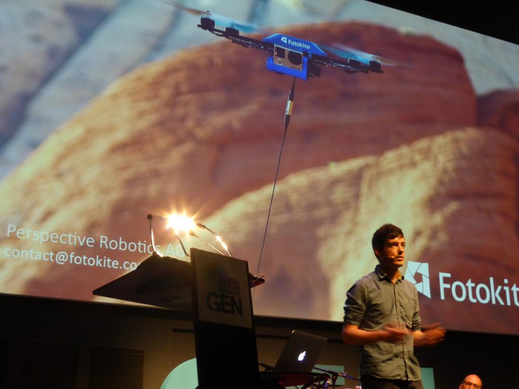 Un dron que participava en la competició d'startups.