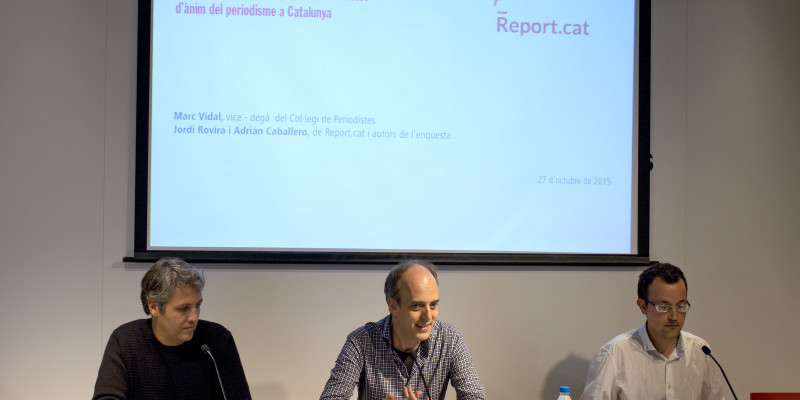 D'esquerra a dreta, Jordi Rovira, Marc Vidal i Adrián Caballero durant la presentació del Report.cat | Foto: Ignasi R. Renom