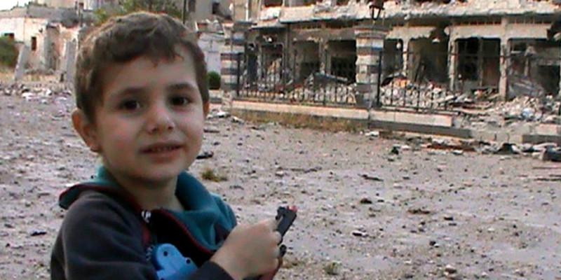Aquest nen sirià és un dels protagonistes del Festival | Foto: Youtube
