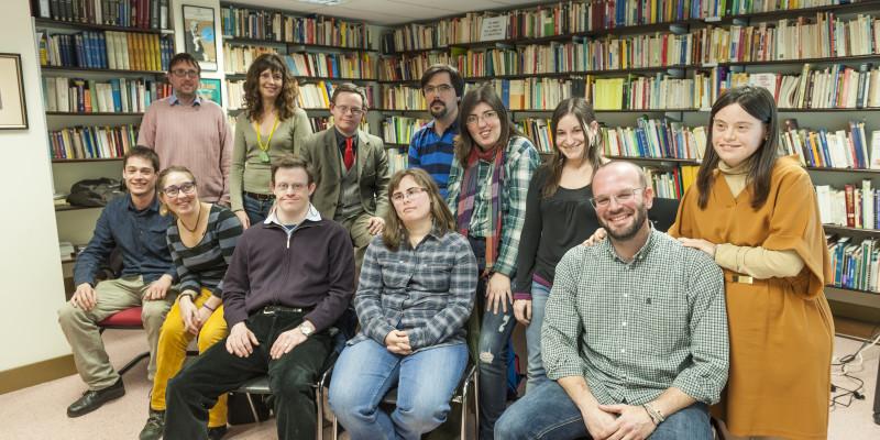 L'equip d'Èxit 21 amb membres de la Fundació Catalana Síndrome de Down. Foto: Sergio Ruiz