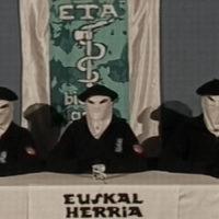Imatge del vídeo on ETA va anunciar la fi de la violència