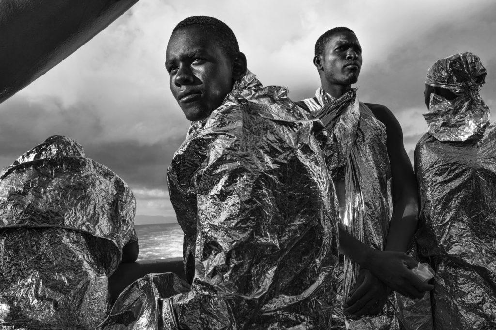 Refugiats arribant a la costa italiana, una de les fotos de la mostra. Autor: Francesco Zizola