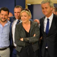L'extrema dreta al Parlament Europeu. D'esquerra a dreta: Salvini (Lliga Nord), Vilimsky (FPÖ austriac), Le Pen, Wilders i Annemans (VB belga) | Foto: Euractivcom (Flickr)