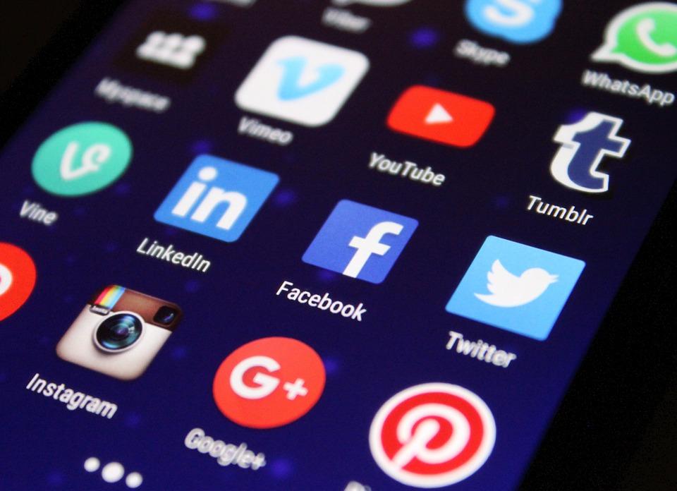aplicacions, xarxes socials mitjans Report.cat