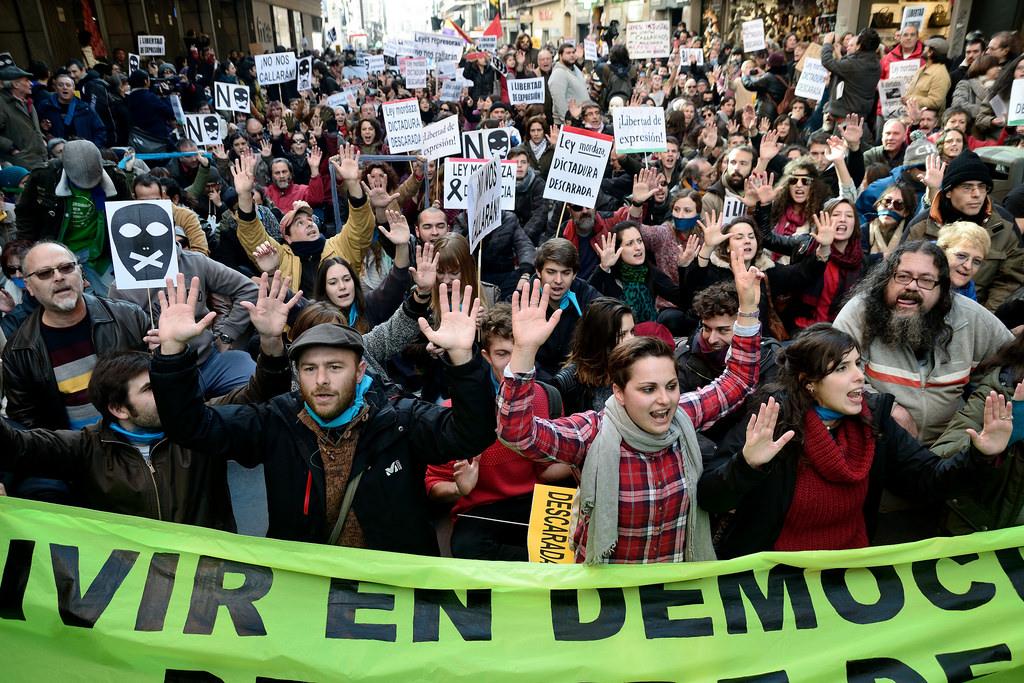 Protestes a Madrid al desembre de 2014 contra l'aprovació de la Llei Mordassa. Foto: Adolfo Lujan