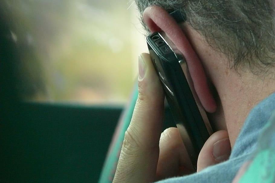 home mobil filtracions politica periodistes